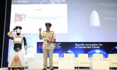 Dubái ya tiene a su primer robot policía y quiere más 53