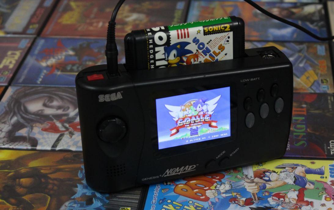 Genesis Nomad Asi Era La Switch Que Lanzo Sega En 1995 Muycomputer