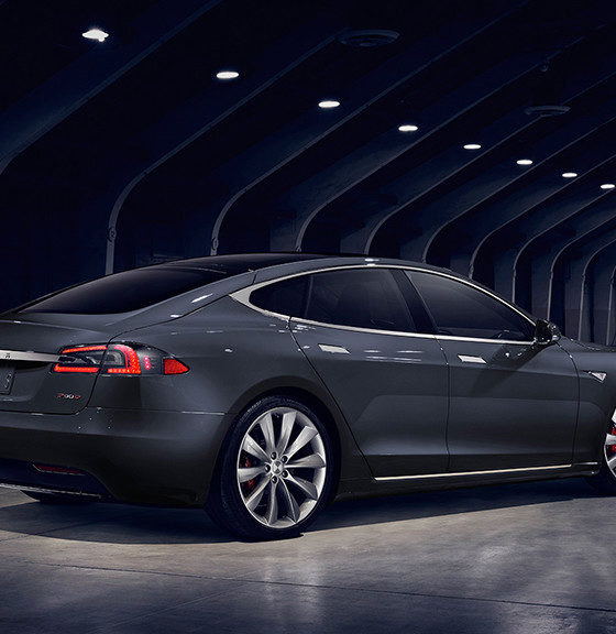 El accidente mortal del Tesla Model S se debió a una neglicencia del conductor 35