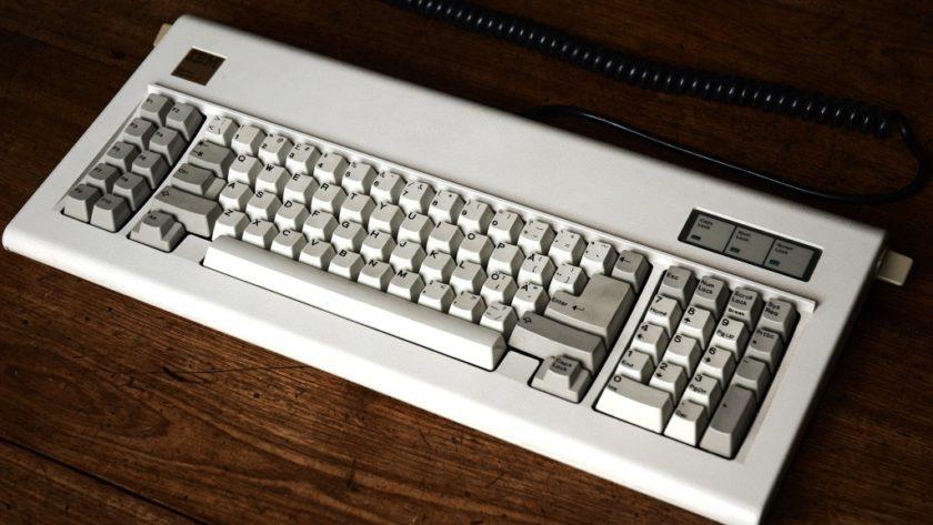 Resucitan el teclado mecánico IBM Model F, calidad y nostalgia a un precio elevado