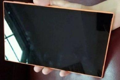 Nuevas imágenes de Mercury, la tablet con Windows 8.1 que canceló Nokia
