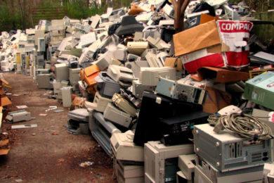 """UE critica la """"obsolescencia tecnológica"""" ¡Queremos reparar y no acumular cacharros!"""