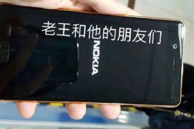 Imágenes reales del Nokia 8 en color cobre dorado
