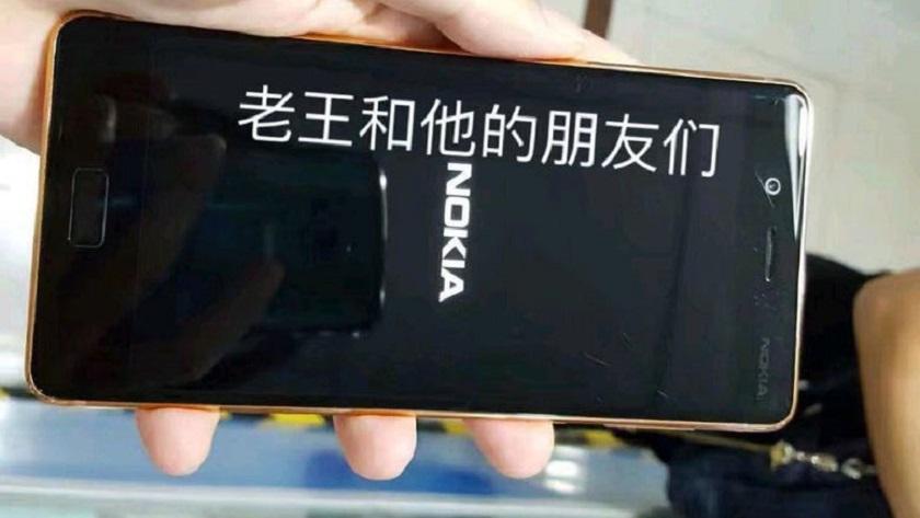 Imágenes reales del Nokia 8 en color cobre dorado 29