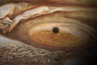 Un vistazo a la gran mancha roja de Júpiter, cortesía de Juno