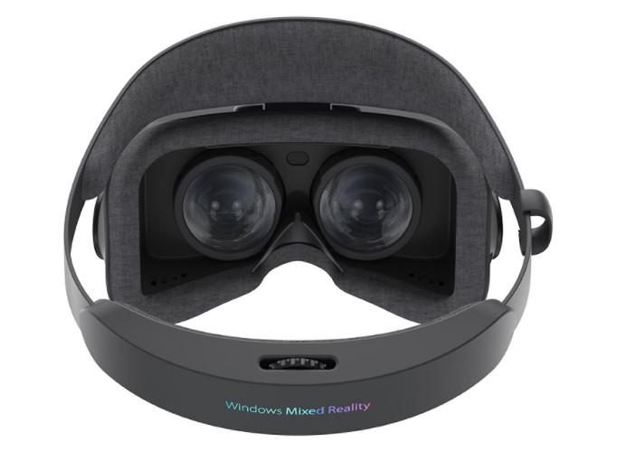 ASUS presenta su casco Windows Mixed Reality 32