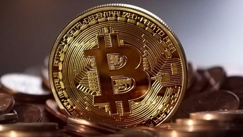 Bitcoin sube a 4.500 dólares, ha cuadruplicado su valor en meses 30