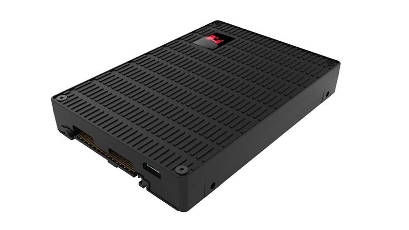 Kingston sorprende con el DCU1000, un SSD que roza los 7 GB por segundo 37