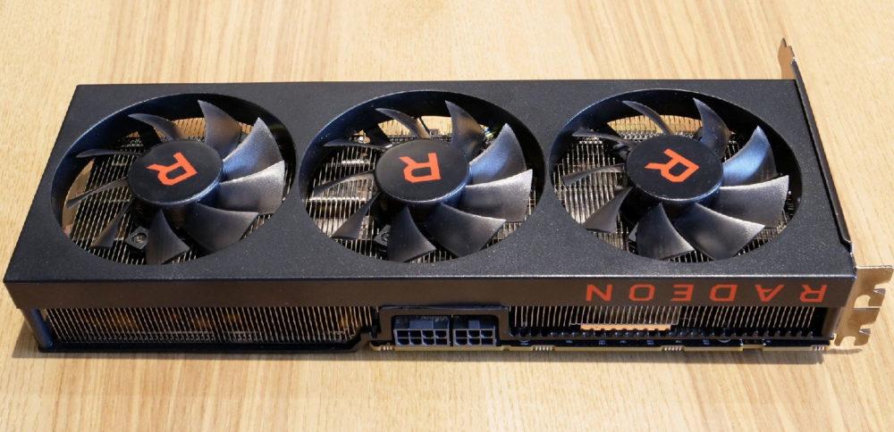 AMD confirma prototipo de Radeon RX Vega 56 con tres ventiladores 31