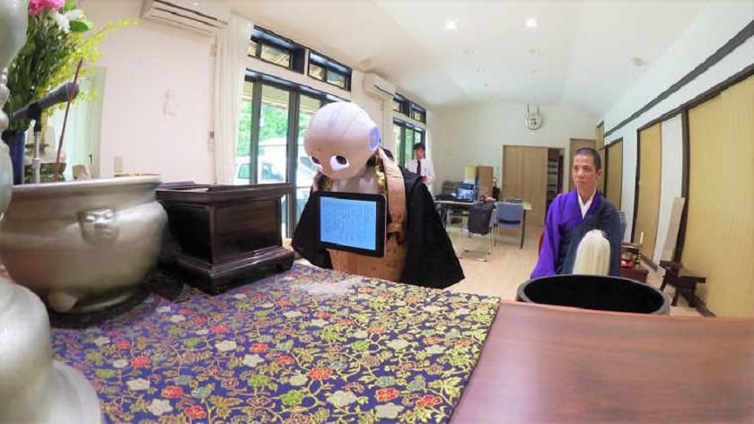 El robot Pepper puede celebrar funerales bajo el rito budista 31