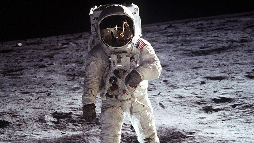 Elon Musk publica la primera imagen del traje espacial de SpaceX