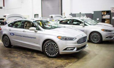 Ford patenta sistema de pedales y volante removibles 240