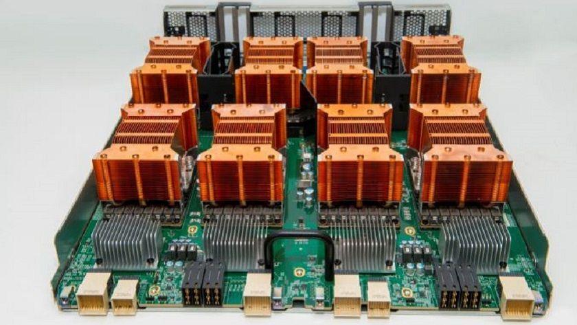NVIDIA comercializa el sistema DGX-1V, cuesta 149.000 dólares 29