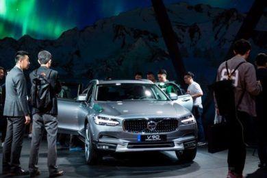 China también quiere prohibir los coches con combustibles fósiles