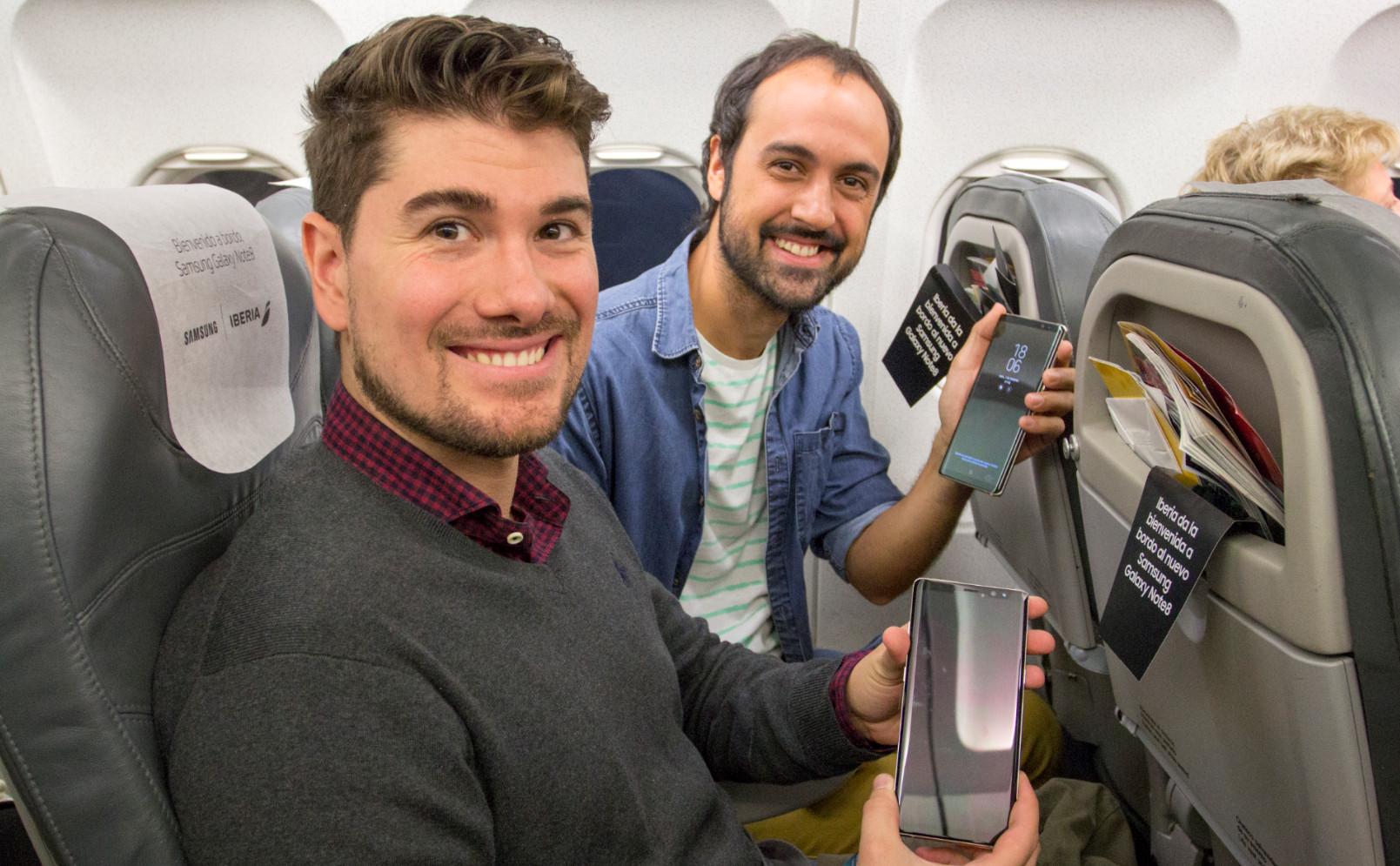 Samsung regala 200 Galaxy Note 8 en un vuelo de Iberia 38
