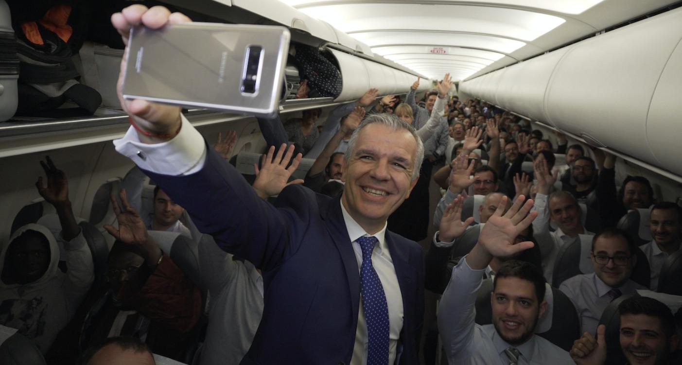 Samsung regala 200 Galaxy Note 8 en un vuelo de Iberia 40