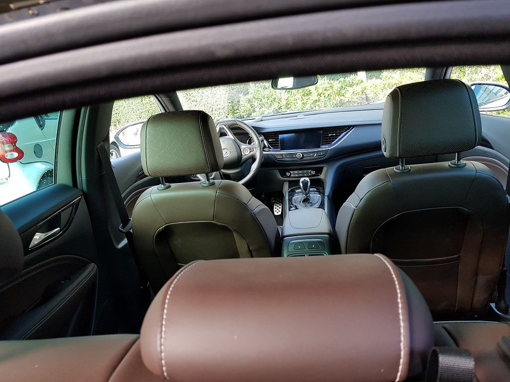 Opel Insignia 2017, agazapado 40