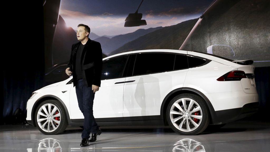 Elon Musk cree que el hardware actual conduce tan bien como un humano 29