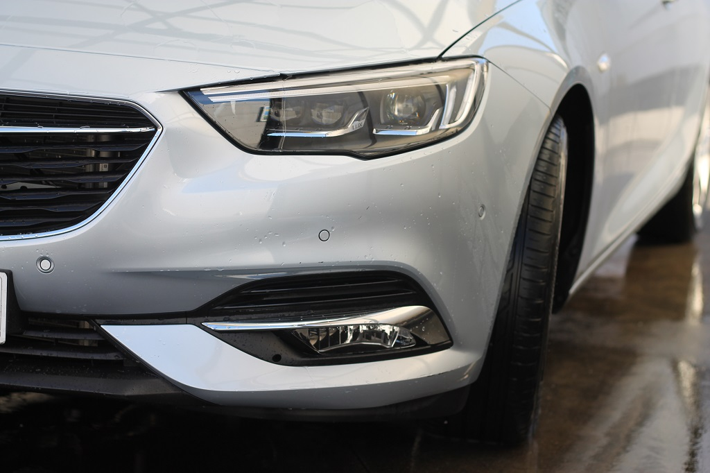 Opel Insignia 2017, agazapado 38
