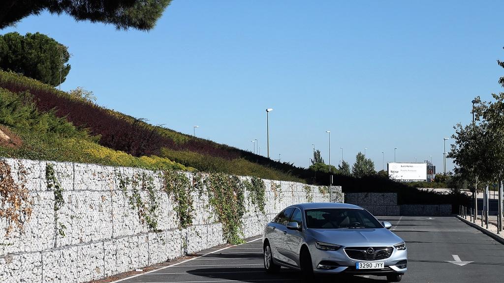 Opel Insignia 2017, agazapado 52