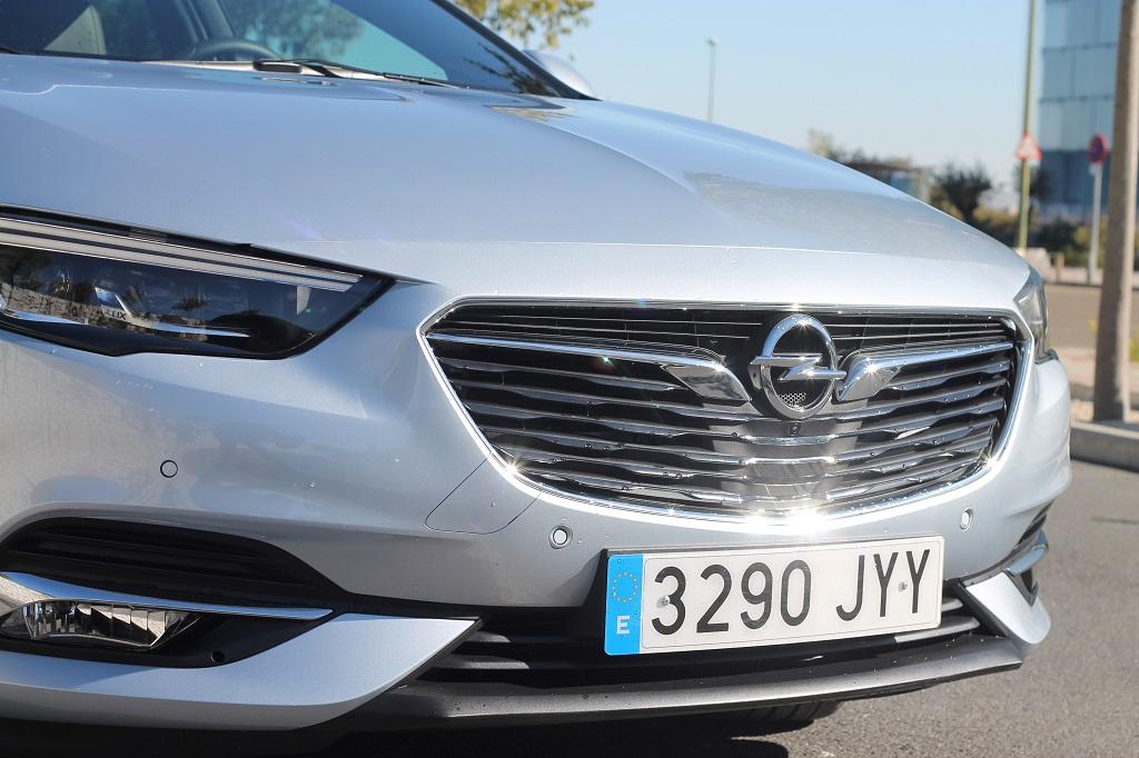 Opel Insignia 2017, agazapado 50