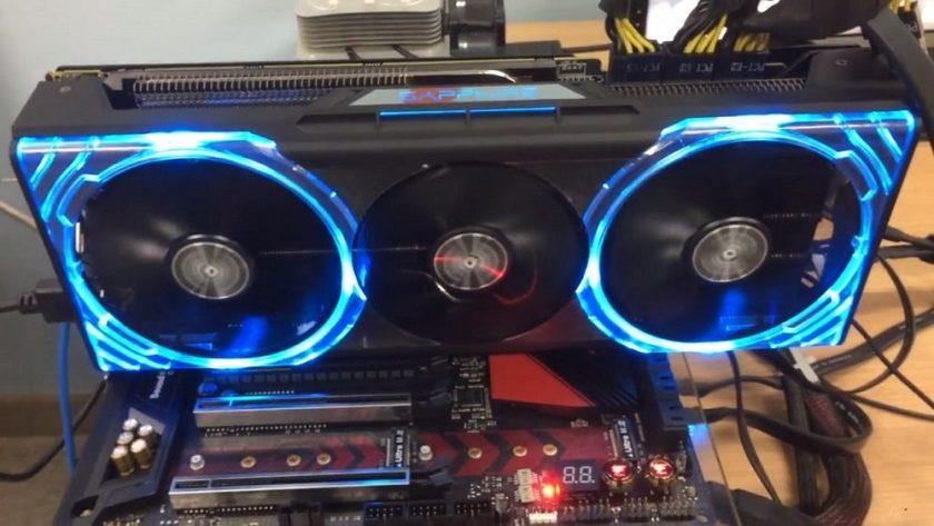 Así es la SAPPHIRE Radeon RX Vega 64 NITRO; tres conectores de 8 pines
