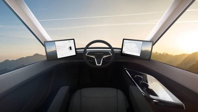 Tesla presenta su camión eléctrico y un superdeportivo con 1.000 km de autonomía 36