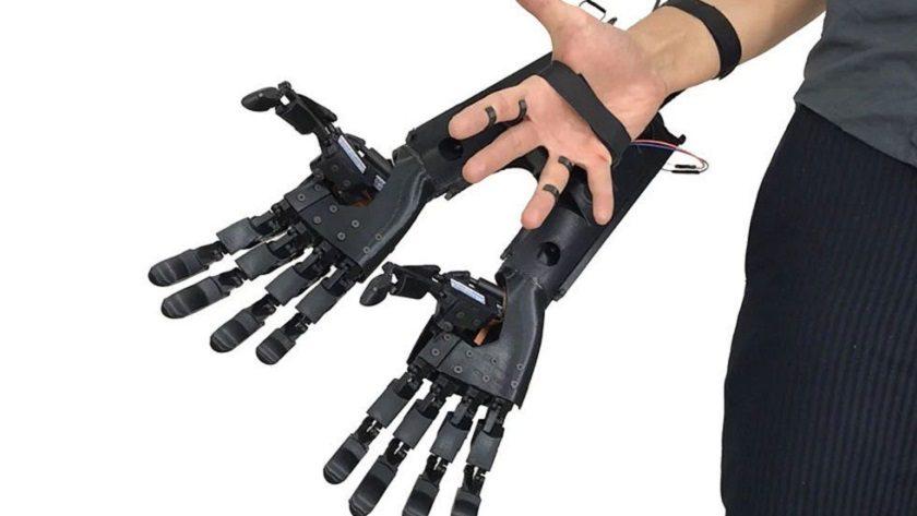 ¿Dos manos son mejor que una? Youbionic cree que sí