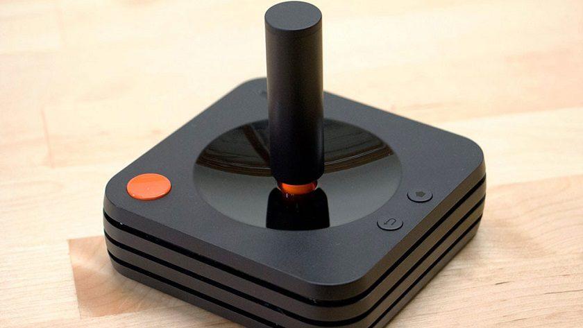 Primeras imágenes del mando de la Ataribox, casi como el original