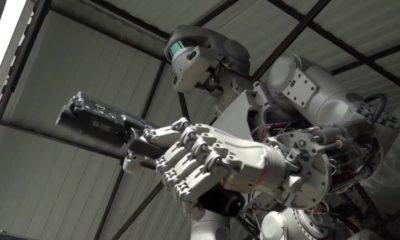 El robot pistolero de Rusia pilotará naves espaciales en 2021 57
