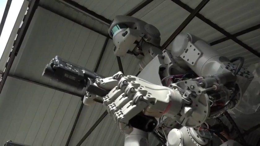 El robot pistolero de Rusia pilotará naves espaciales en 2021