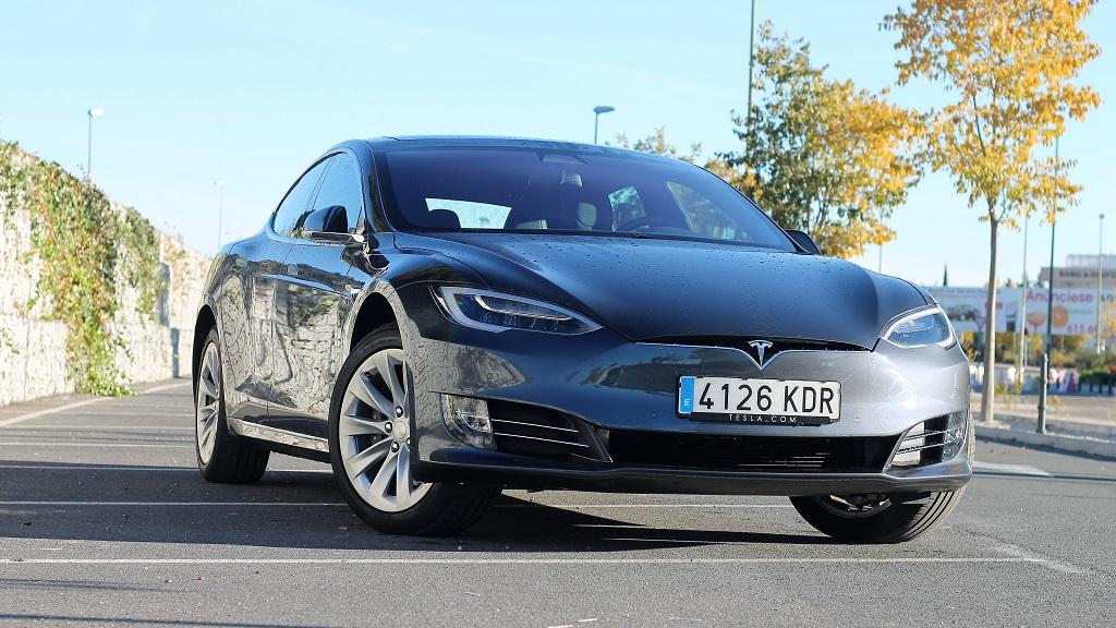 Tesla Model S 100D, sueños 30
