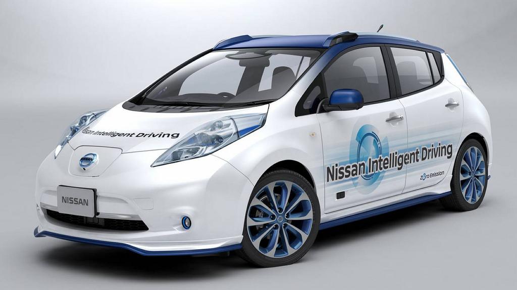 Nissan empezará a probar su taxi autónomo este año 29