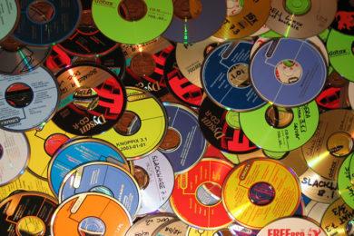 Best Buy dejará de vender CDs de música ¿Acaba la era de las unidades ópticas?