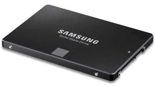 Samsung PM883; un SSD SATA III con 8 TB de capacidad de almacenamiento