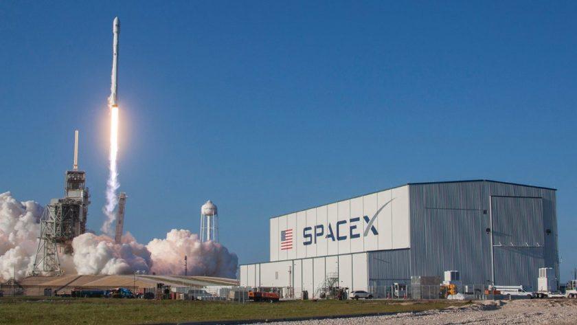 SpaceX consigue la aprobación de la FCC para su banda ancha vía satélite