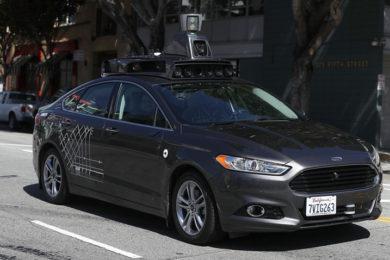 Uber suspende su programa de conducción autónoma por la muerte de un peatón