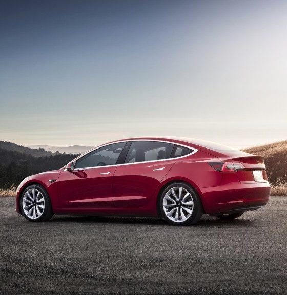 Tesla se vio obligada a pausar la producción del Model 3 31