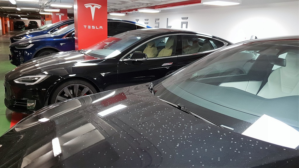 Tesla Model X, sonámbulos 40