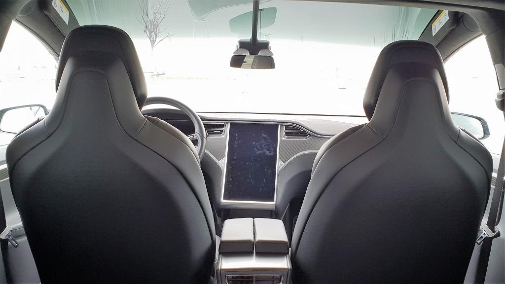 Tesla Model X, sonámbulos 42