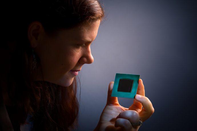 Intel Stratix 10: una FPGA capaz de calcular 10 billones de operaciones por segundo 30