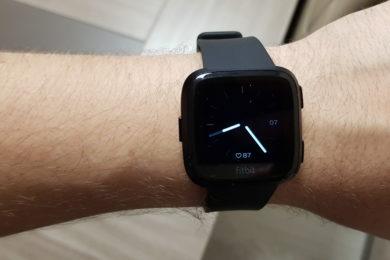 """Análisis: Fitbit Versa, """"de mayor quiero ser un smartwatch"""""""