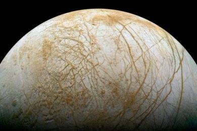 La NASA confirma que existen géiseres en Europa, la luna de Júpiter