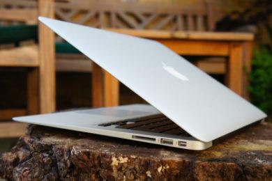 Apple retrasa el MacBook económico