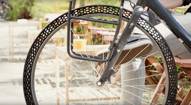 Imprimen en 3D una rueda funcional sin aire