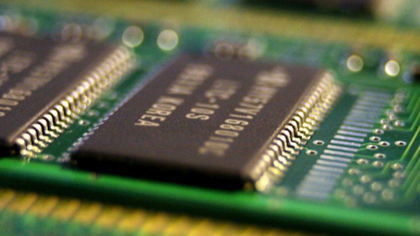 ¿Acuerdan ilegalmente precios los fabricantes de memorias? Demanda colectiva en EE.UU