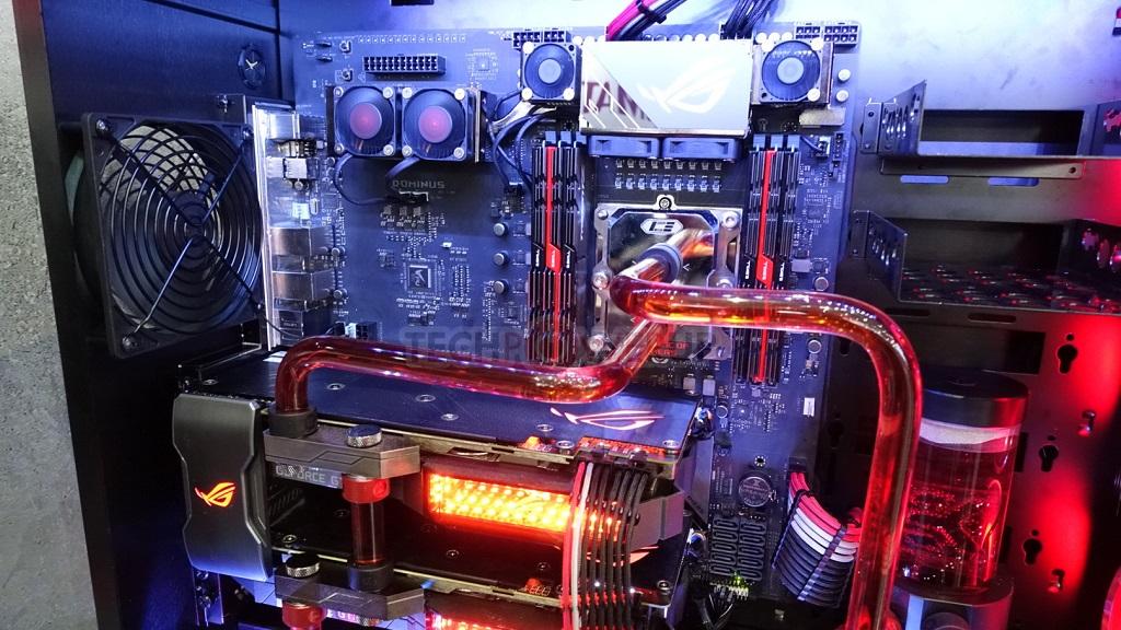 Imágenes de la placa base ASUS ROG Dominus con CPU Intel Core i9 de 28 núcleos 31