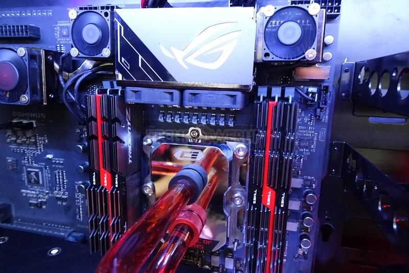Imágenes de la placa base ASUS ROG Dominus con CPU Intel Core i9 de 28 núcleos 33