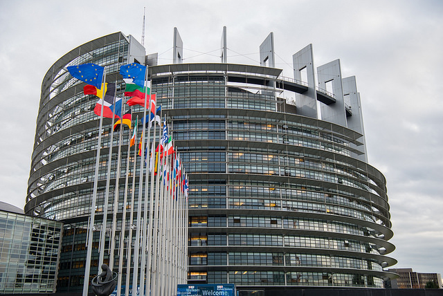 Wikipedia cierra hoy como protesta por la reforma de la ley europea de derechos de autor 35
