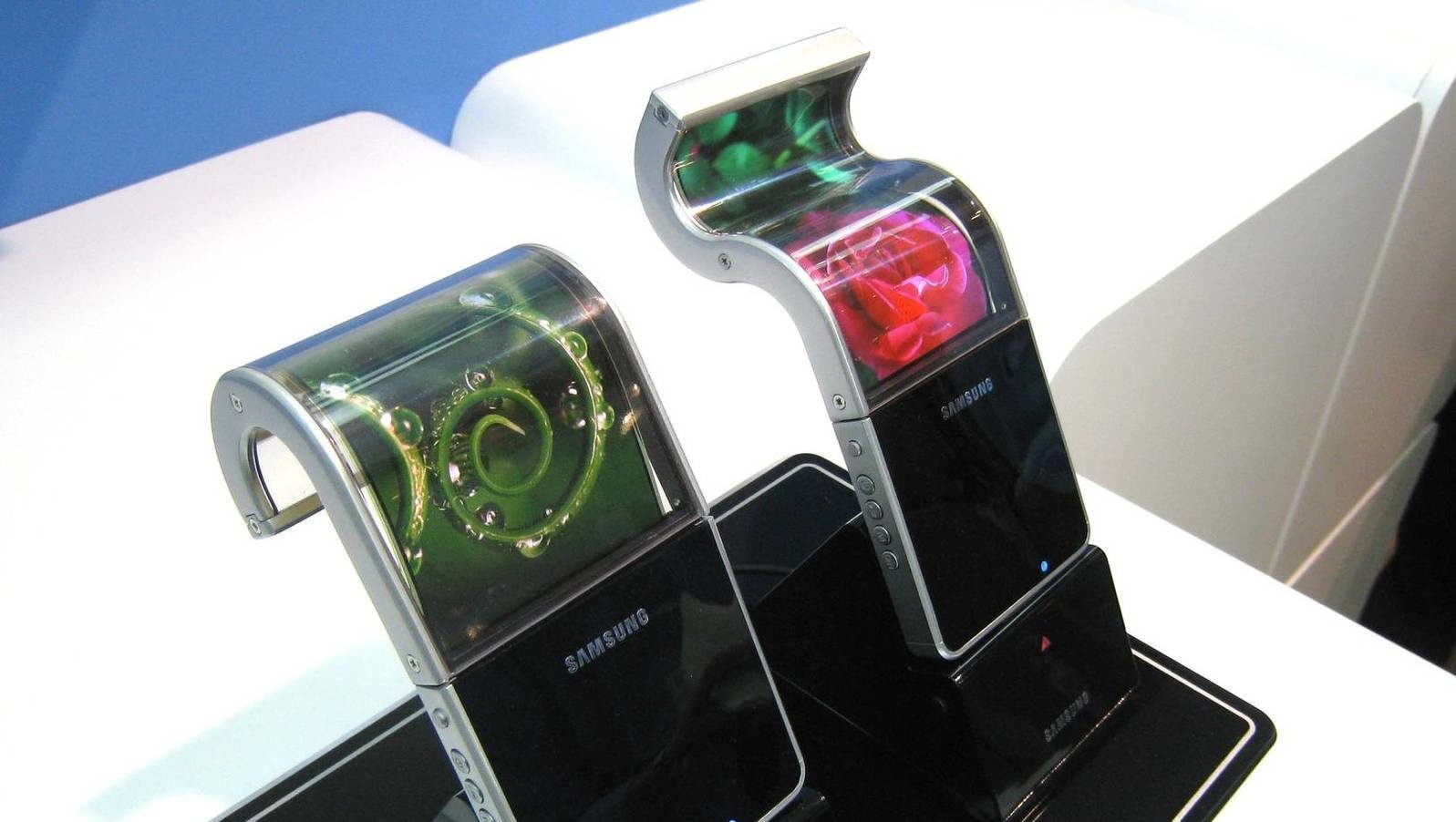 Samsung Pantallas Oled Flexible Irrompible